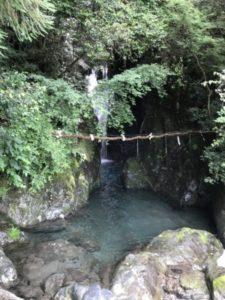 ネコマタの滝