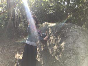 天香久山・蛇つなぎ石
